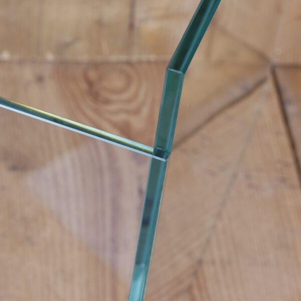 Gelijmd glas aan elkaar door middel van UV